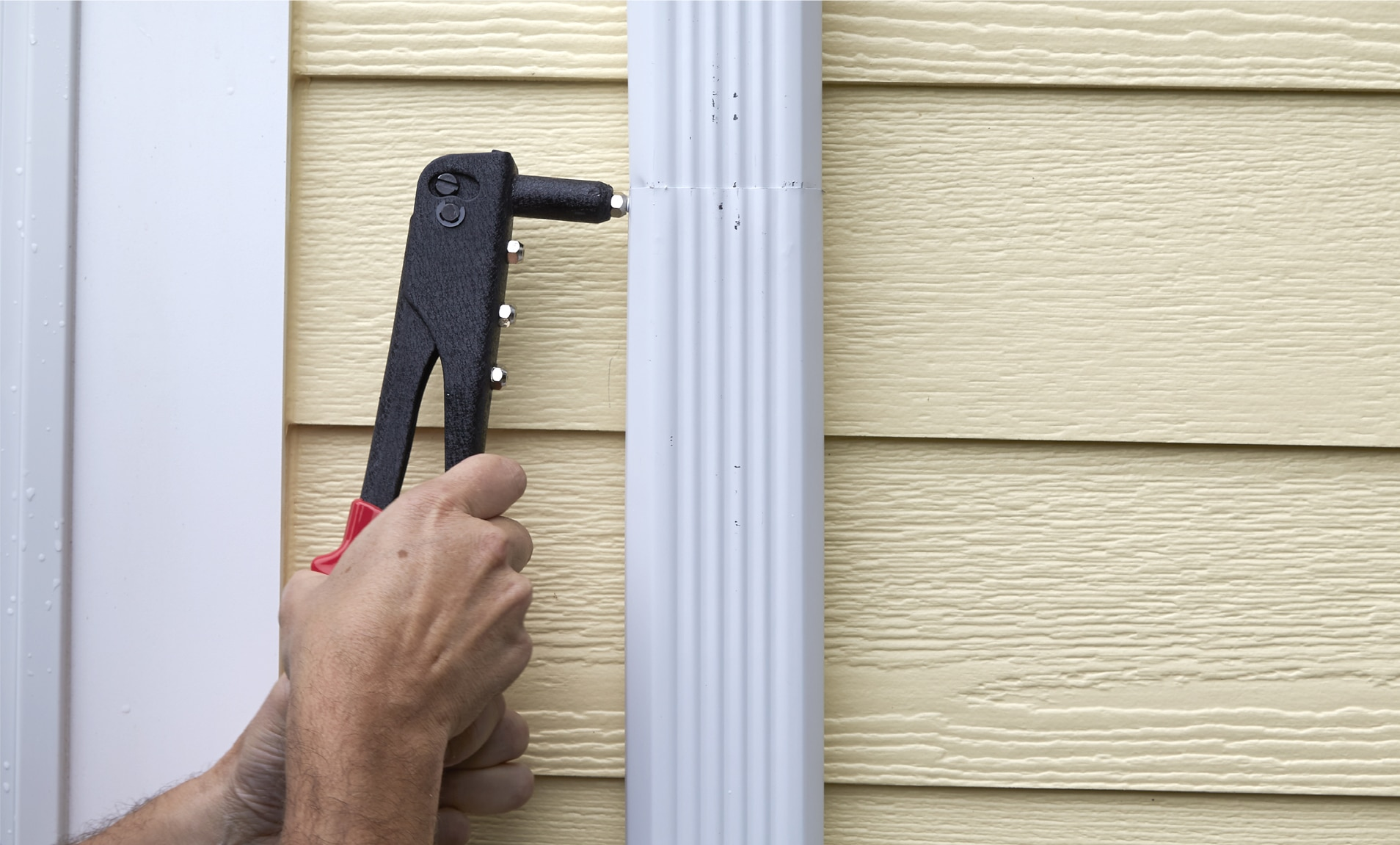 Repairing Gutter Downspouts Rain Gutter Diy Repairs