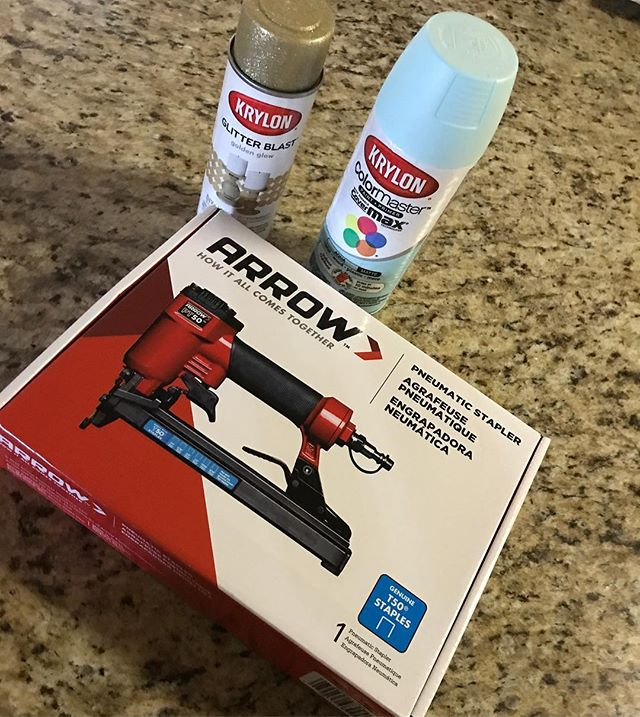Going to give another @arrowfastener pt50 pneumatic stapler a makeover. This stapler is absolutely imperative for my work, but Imma still going to need it to be pretty. And sparkly.