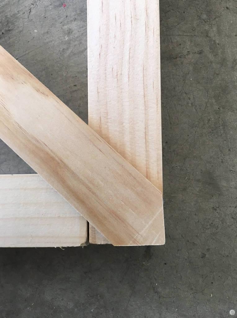 crisscross-wall-trellis-arrow-project-step3b.jpg