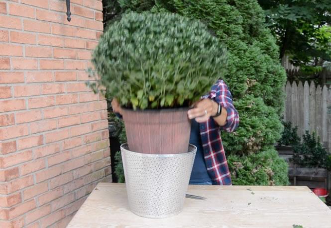 metal-garden-planters-arrow-projects-step6.jpg