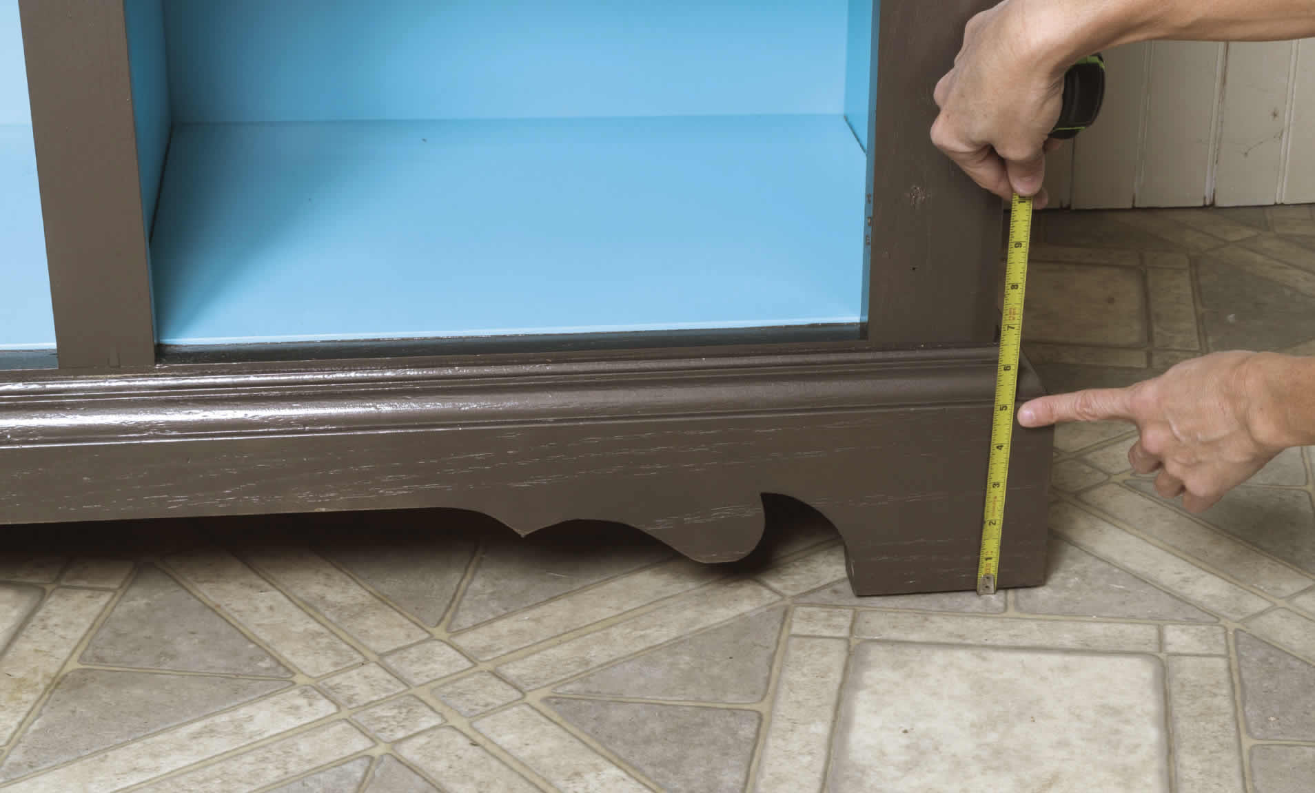 measuring sliding barn door cabinet DIY project