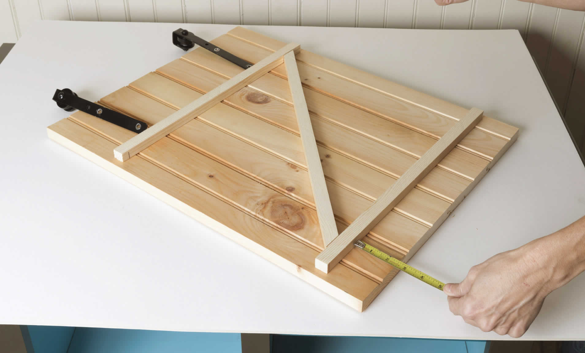 sliding-barn-door-cabinet-arrow-project-step6a.jpg