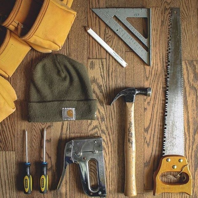 Shoutout to @harencontracting for sharing a snapshot of his must-have tools, courtesy of @extraontop! To have your photo featured by us, use or tag @arrowfastener! . . . . . . . .