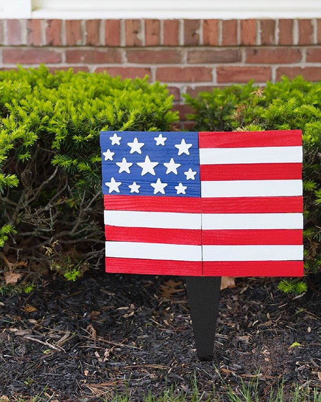Happy #FlagDay!  Click the link in our bio for a quick craft to deck your home in red, white and blue all summer! . . . . . . . . .
