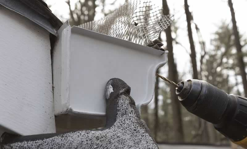 replace-gutter-end-cap-arrow-project-step6.jpg