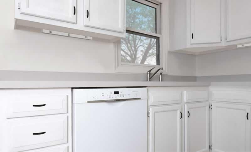 kitchen-backsplash-arrow-project-before.jpg