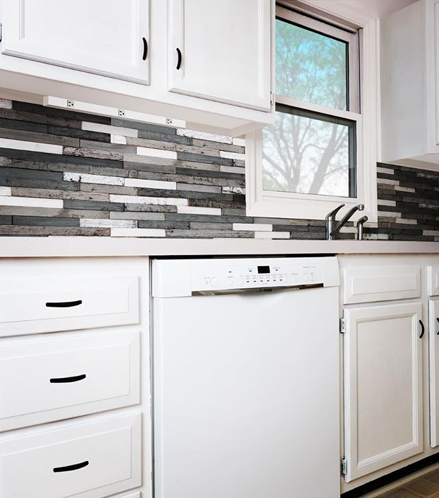 Got backsplash? Link to project in our bio! . . . . . . .